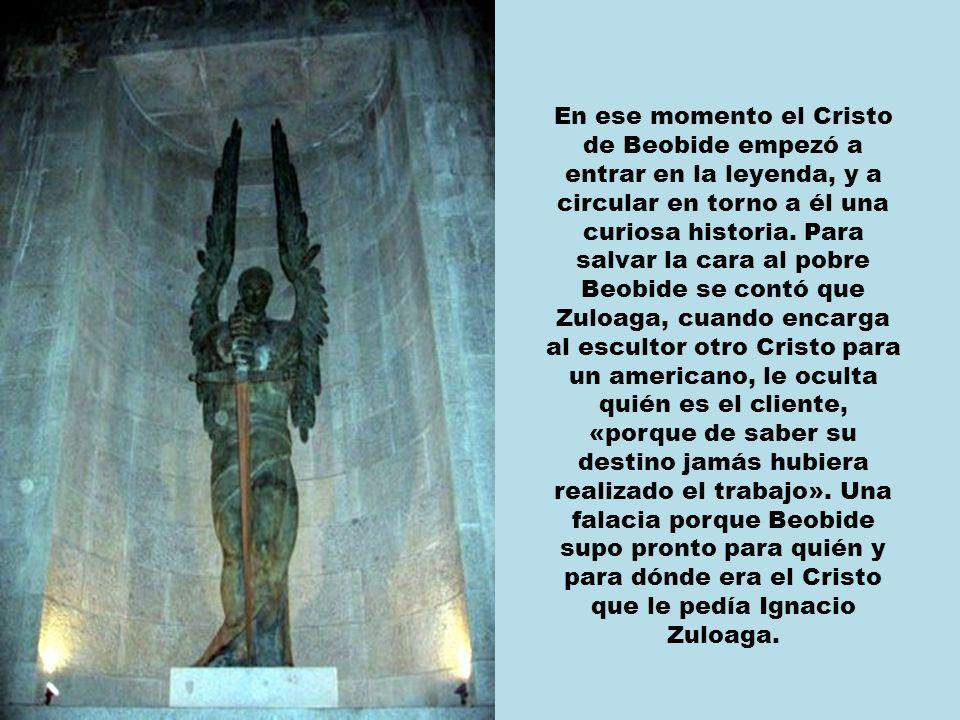 Zuloaga también engaña, al principio, al escultor diciéndole que un americano se ha interesado por una copia del cristo que había hecho para su capilla.