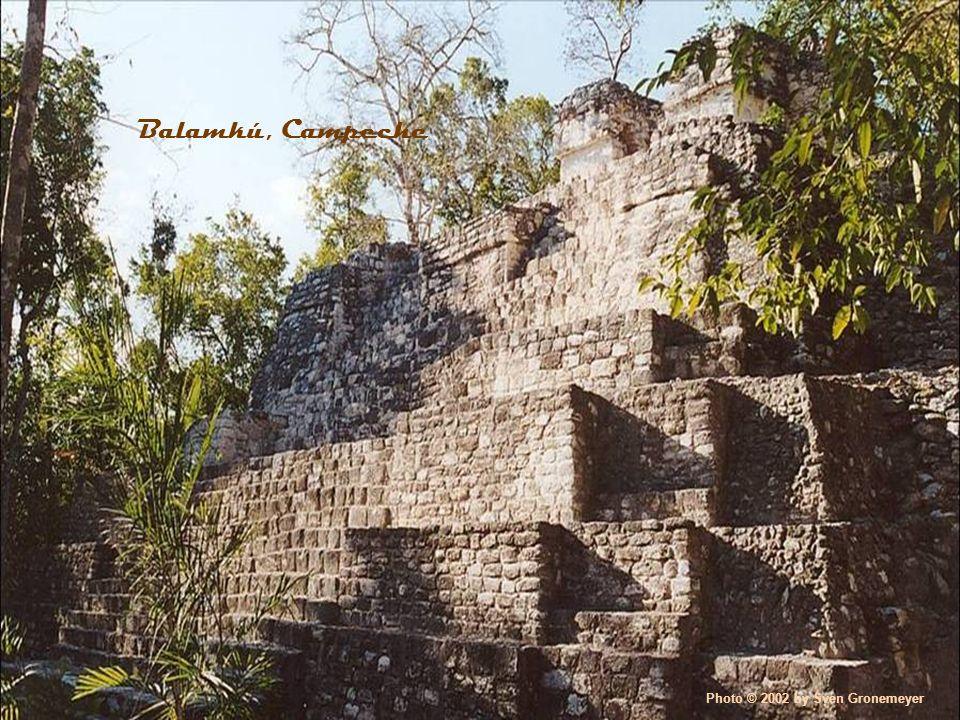 Photo © 2002 by Sven Gronemeyer Balamkú, Campeche