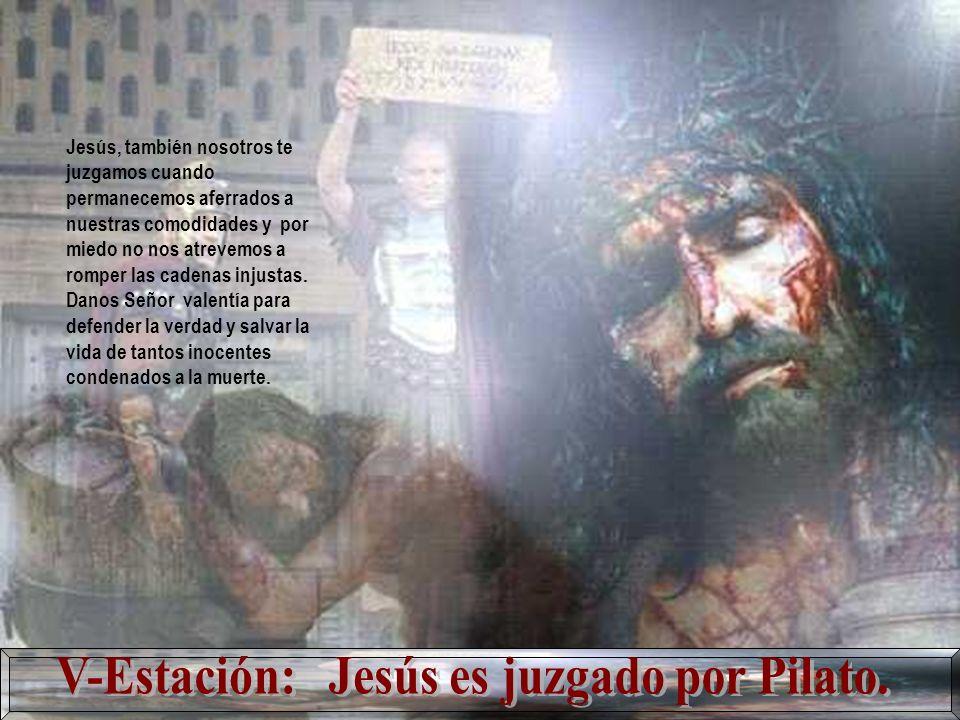 Señor Jesús: Te negamos cuando no acogemos al más pobre y sufriente, cuando callamos ante las mentiras e injusticias.