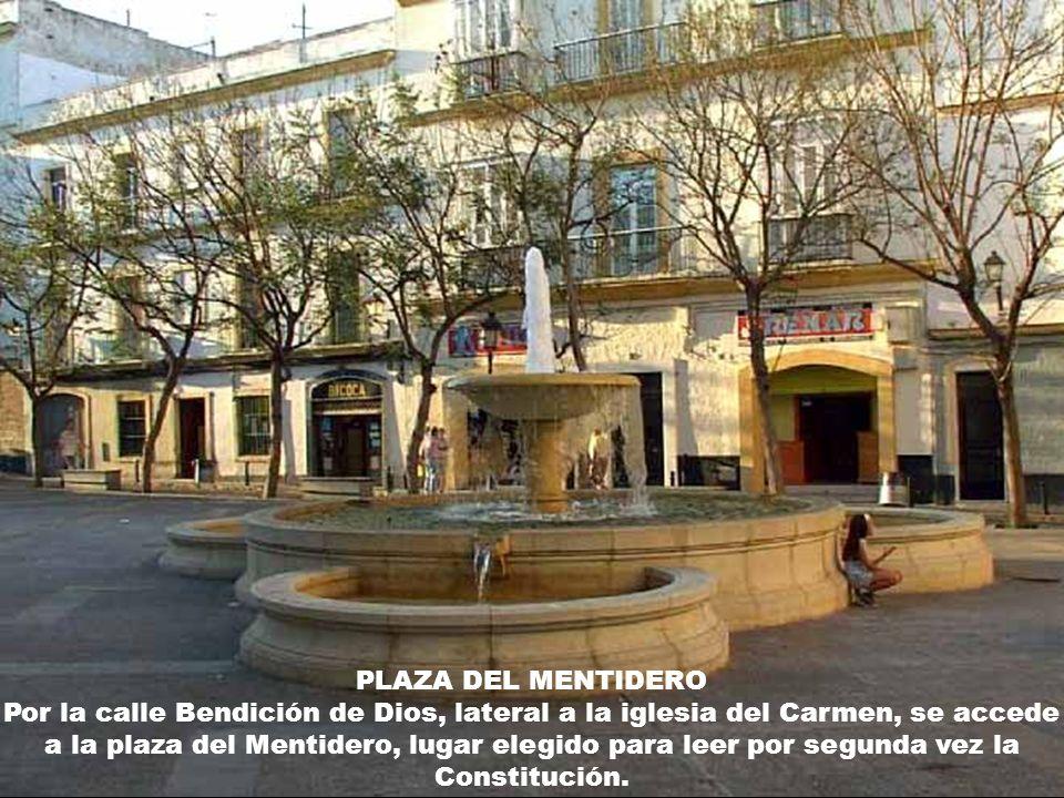 PLAZA DE SAN ANTONIO Uno de los centros neurálgicos de la ciudad, fue testigo de la tercera proclamación del texto constitucional.