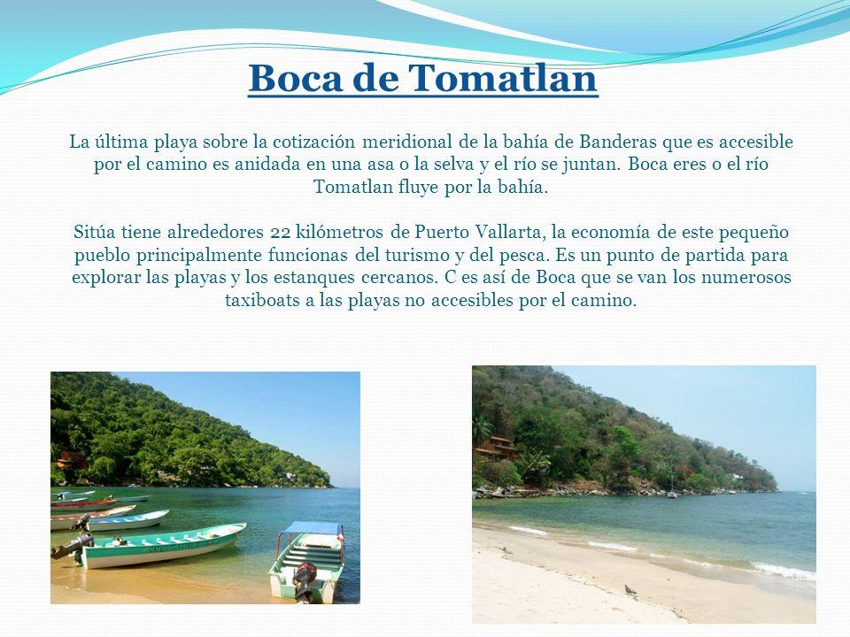 Boca de Tomatlan La última playa sobre la cotización meridional de la bahía de Banderas que es accesible por el camino es anidada en una asa o la selva y el río se juntan.
