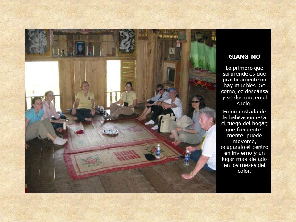 GIANG MO Lo primero que sorprende es que prácticamente no hay muebles.