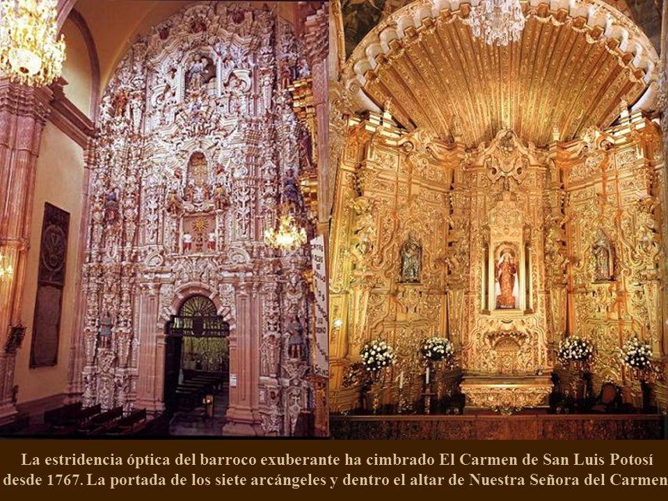En la concepción de la obra quedó registrado el nombre del indio otomí José Lorenzo de los Ángeles y Eduardo Tresguerras modificó el altar. Arriba, la