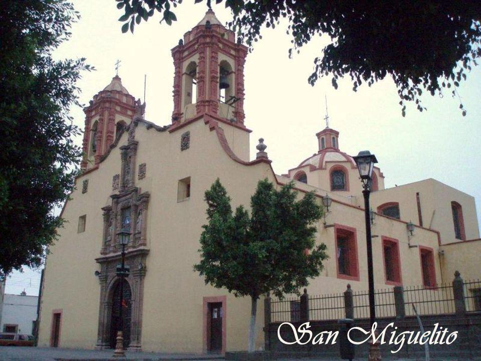 La sacristía franciscana y el capialzado del s. XVIII, arriba-derecha patrocinada por don José Erreparaz, son el secreto mejor guardado en San Luis Po