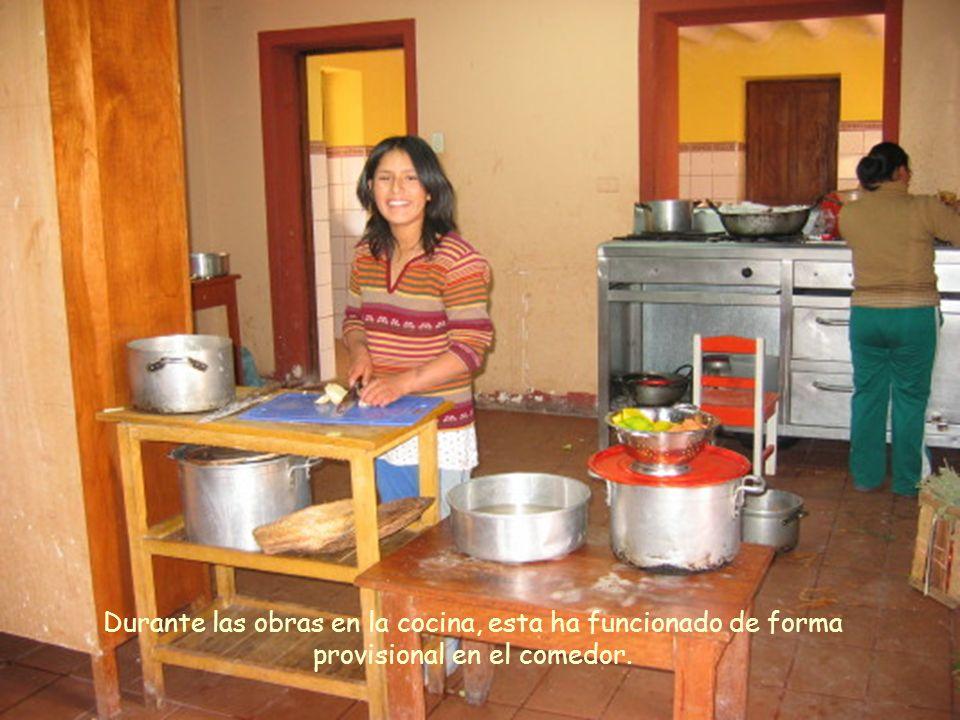 Durante las obras en la cocina, esta ha funcionado de forma provisional en el comedor.