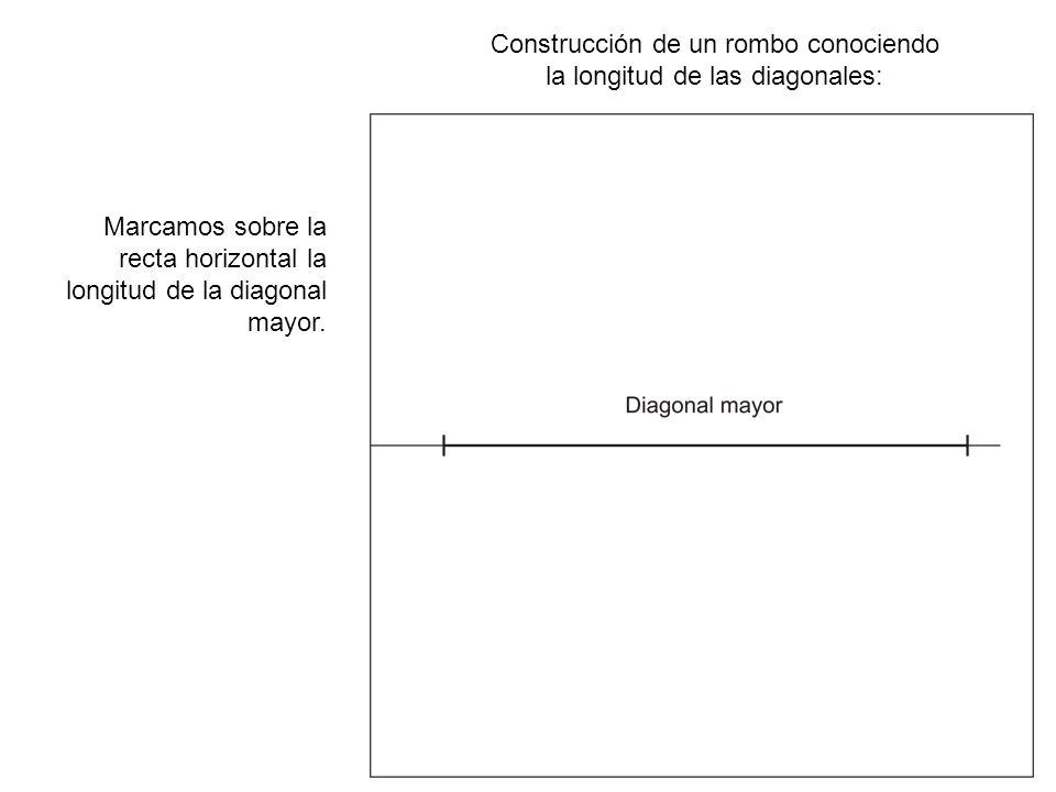 Construcción de un rombo conociendo la longitud de las diagonales: Con un radio libre y mayor que la mitad de la diagonal, trazamos un arco de circunferencia centrado en un extremo del segmento.