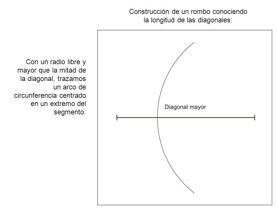 Construcción de un rombo conociendo la longitud de las diagonales: Con idéntico radio al empleado en el paso anterior, realizamos la misma operación en el otro extremo.