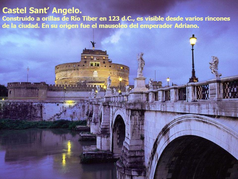 Castel Sant Angelo. Construido a orillas de Río Tiber en 123 d.C., es visible desde varios rincones de la ciudad. En su origen fue el mausoleo del emp