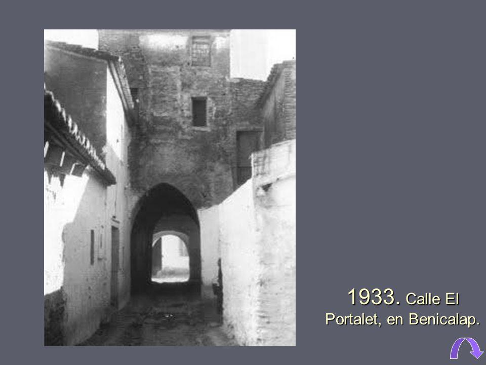 1910. Huerta de Campanar. A la derecha el colegio de los Jesuitas con la tapia que da a la Gran Vía Fernando el Católico. Todavía no estaba encauzada