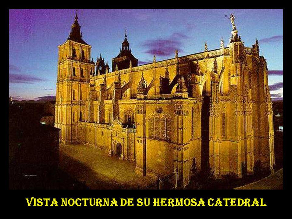 UN POCO DE HISTORIA - Siendo obispo de Astorga JUAN BAUTISTA GRAU encargó al prestigioso arquitecto catalán ANTONI O GAUDÍ CORNET en febrero de 1887,la construcción de un nuevo palacio episcopal, por haber sido destruido el anterior en un incendio.