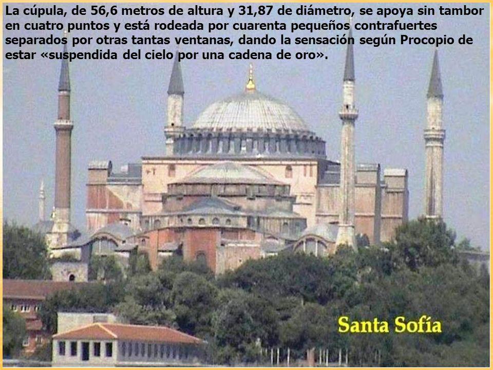 Iglesia de la Divina Sabiduría o Hagia Sophia, dedicada a la segunda persona de la Trinidad, es una de las obras cumbre del arte bizantino. Fue constr