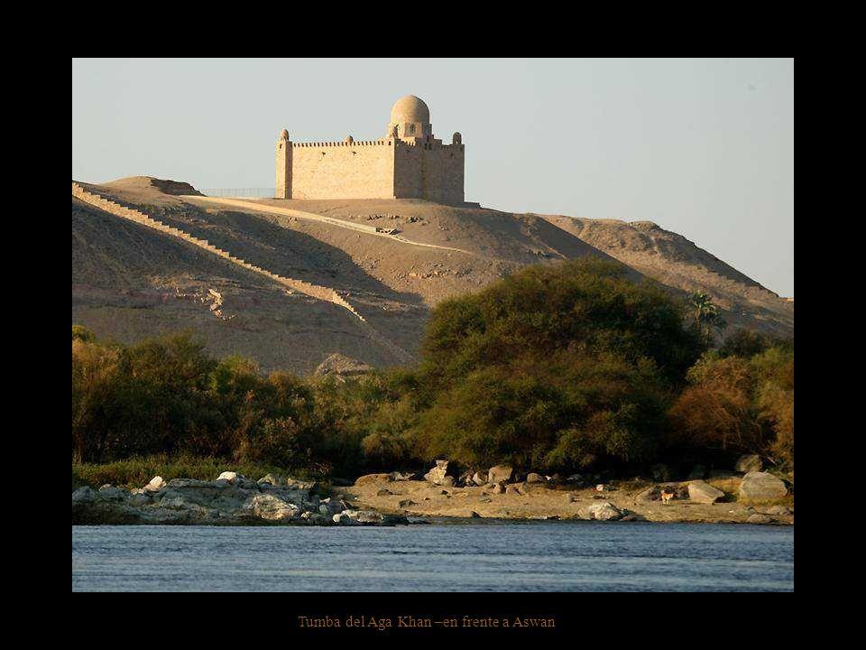Tumba del Aga Khan –en frente a Aswan