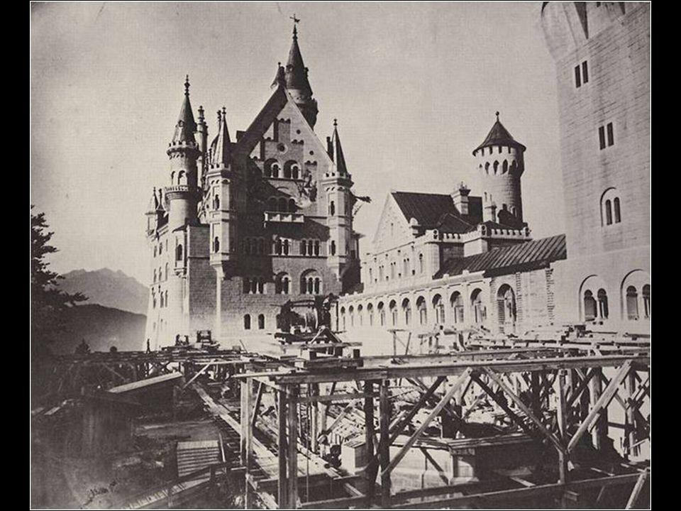 Más de 200 trabajadores estuvieron implicados de forma continua en la construcción del impresionante Castillo de Neuschwanstein.