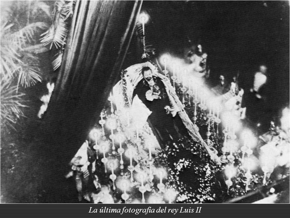Para aquel entonces Luis II ya había sido declarado incapaz de gobernar Baviera y estaba bajo atención psiquiátrica.
