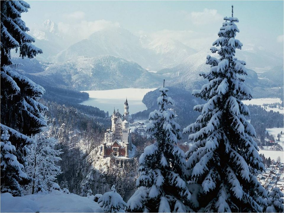 - El castillo fue equipado con luz eléctrica y calefacción en todas la habitaciones.