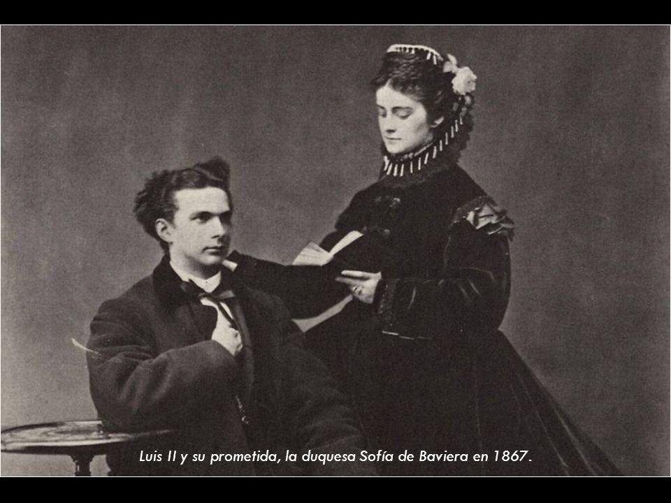 Luis II y su prometida, la duquesa Sofía de Baviera en 1867.