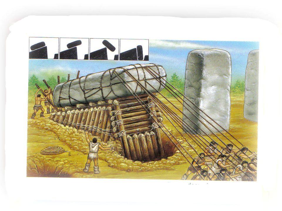 Para colocar el bloque superior, se construye una pequeña colina, se coloca la piedra sobre las otras dos y se quita la tierra.
