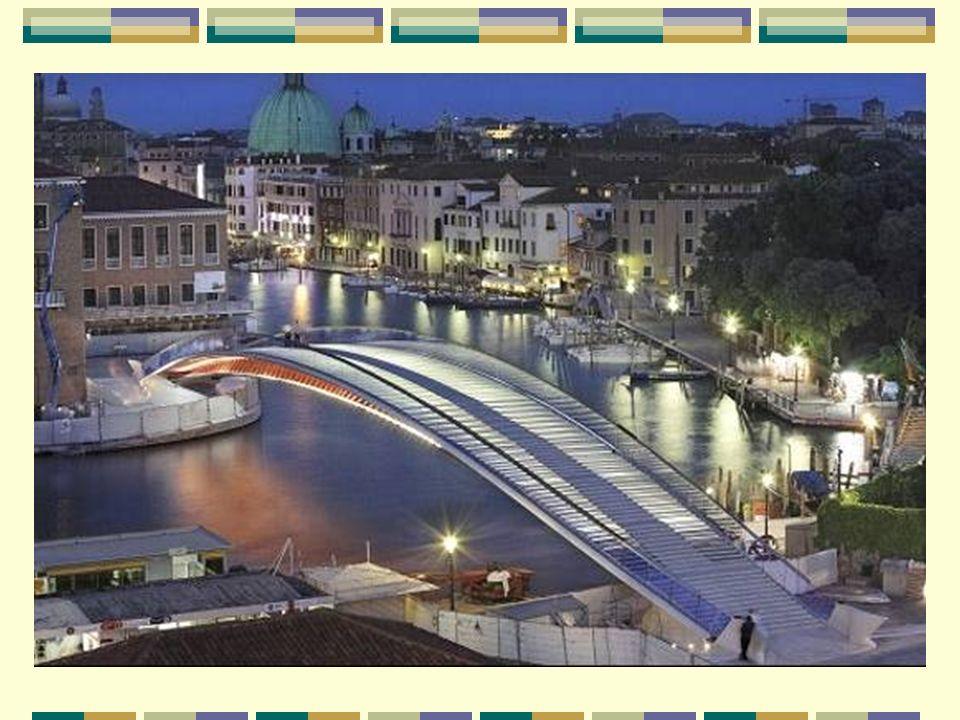 Le pont de la Constitution, un nouveau pont pour Venise El puente de la Constitución, un nuevo puente para Venecia Le pont de la Constitution est le quatrième ouvrage sur le Grand Canal de Venise.
