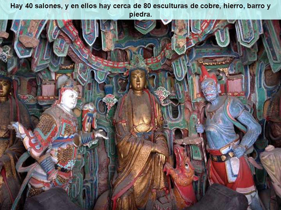 Hay 40 salones, y en ellos hay cerca de 80 esculturas de cobre, hierro, barro y piedra.
