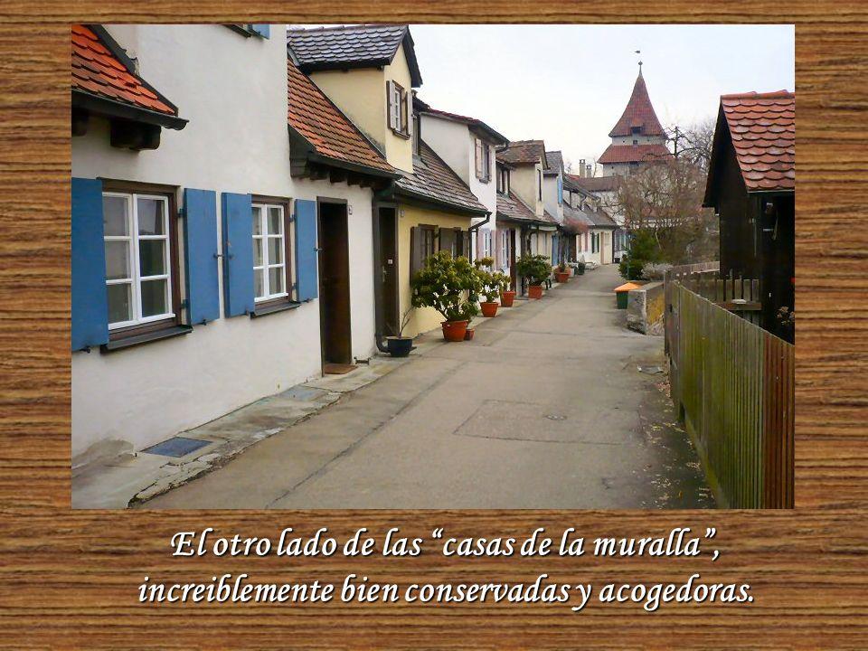 Aquí se ve una variante de las murallas de la ciudad, en que se construyeron pequeñas casas que eran habitadas por los soldados y su familia.