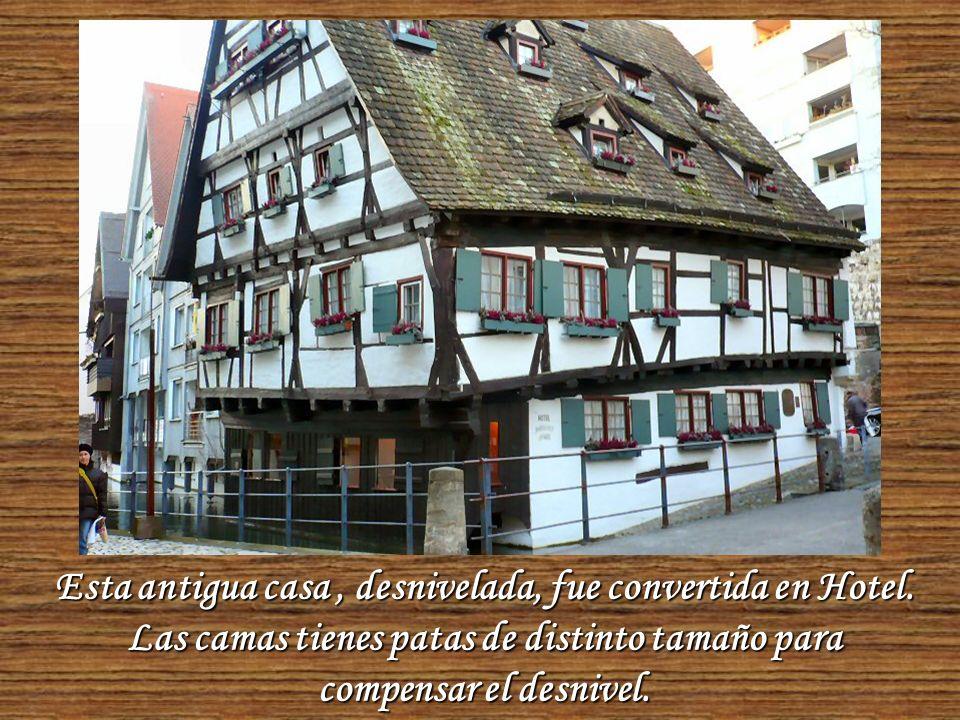 Caminar por ULM es una delicia... Se pueden observar magníficos edificios, casas medievales, entramados de madera y placitas encantadoras.