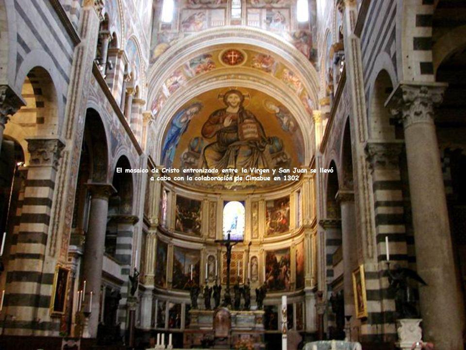 Panel de la Natividad, por el hijo de Nicola Pisano, Giovani, muy diferente de la tallada por su padre