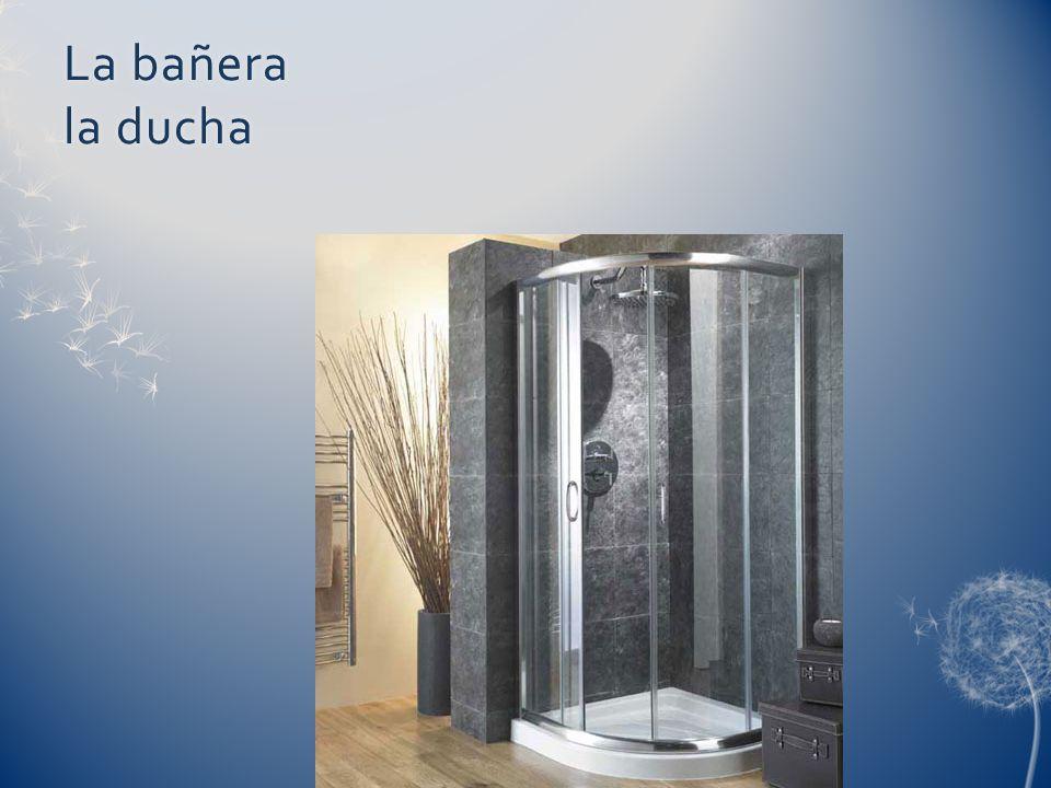 La bañera la ducha