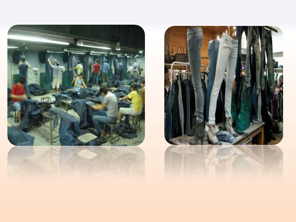 En un principio, ideados para mineros y granjeros -resistentes al desgaste y la friccion-, los jeans se popularizaron a mediados del siglo XX con la explosión del rock y se convirtio en un simbolo de juventud y rebeldía, siendo hoy una prenda más en todo vestuario e incluso usada en la moda de alto nivel Historia De Jeans