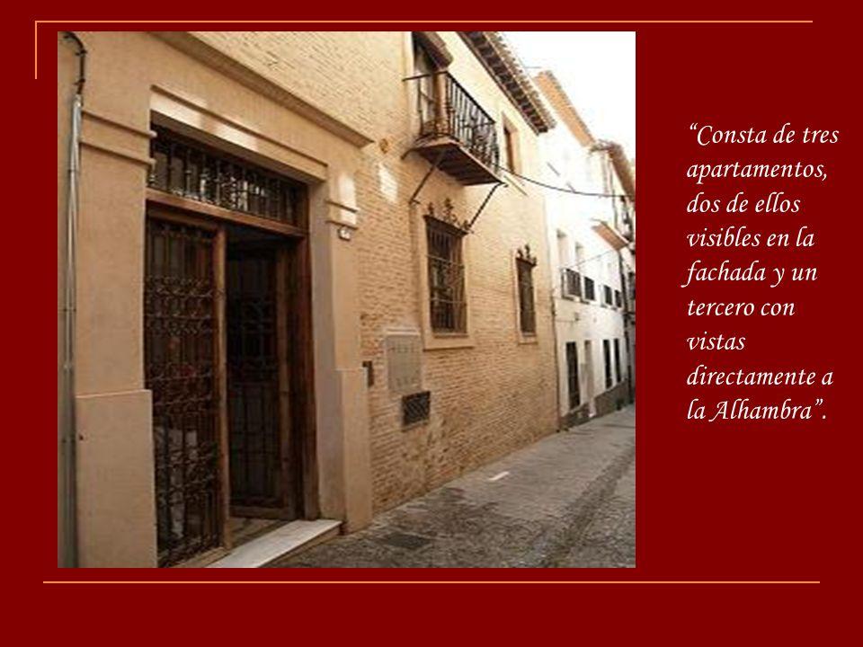 Situada en pleno corazón de Granada, a los pies del Albayzín, se encuentra esta casa catalogada como Casa típica con encanto.