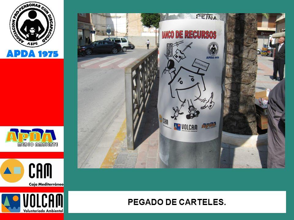 PEGADO DE CARTELES.