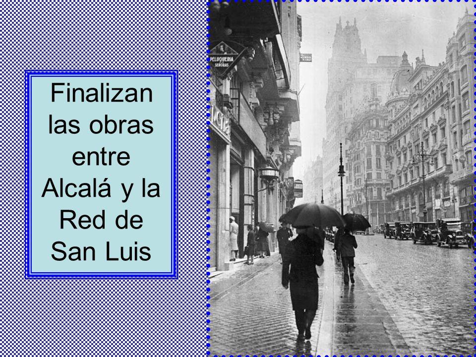 La confluencia de las calles Hortaleza, Fuencarral, Caballero de Gracia y Jacometrezo recibe el nombre de Red de San Luis porque los vendedores callej