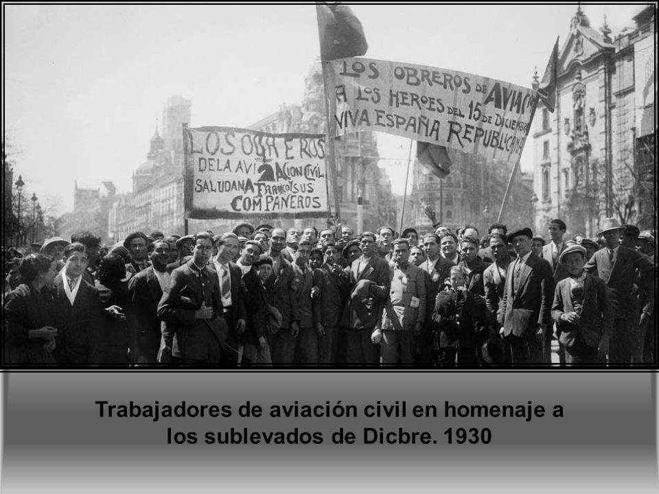 1-10-1928 Varias telefonistas del centro de información de Gran Vía.