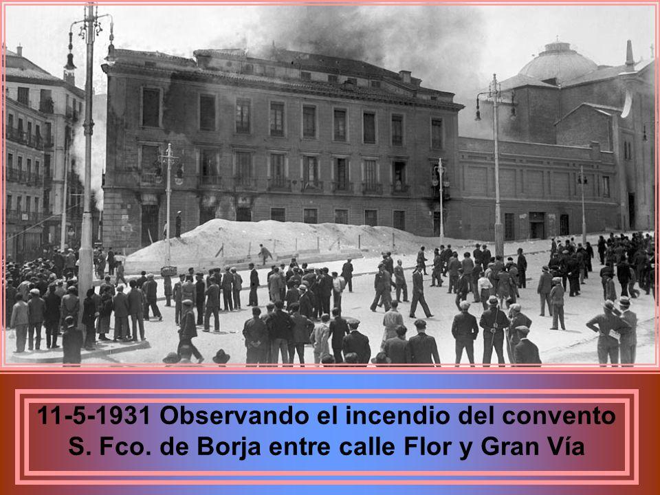 Trabajadores de aviación civil en homenaje a los sublevados de Dicbre. 1930