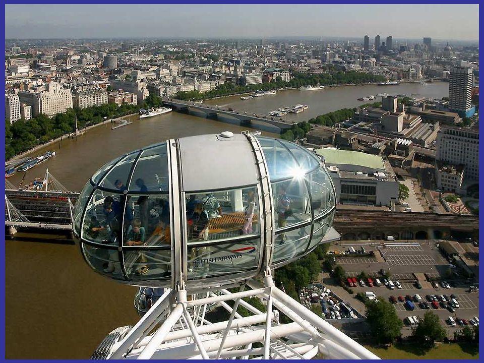 En un día despejado, la noria se puede ver a una distancia que alcanza hasta al Aeropuerto de Heathrow y el Castillo de Windsor.