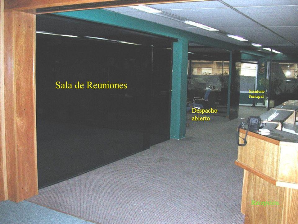 Escaleras de acceso Escritorio Principal Sala de Reuniones Despacho abierto Escritorio 1