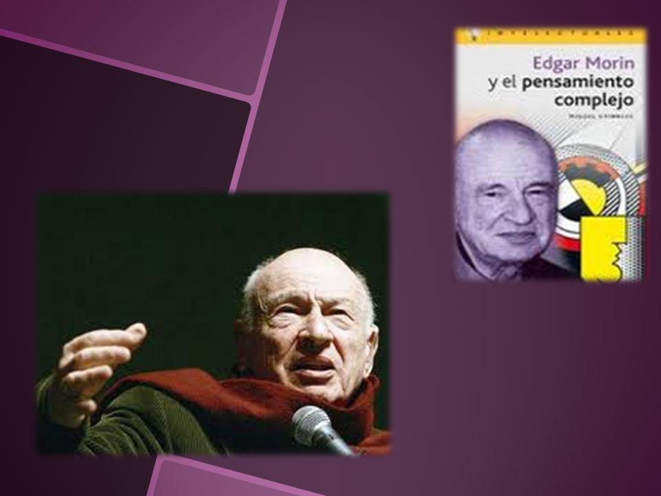 Nace el 8 de Julio de 1921 en París.Fallece su madre a sus 10 años.