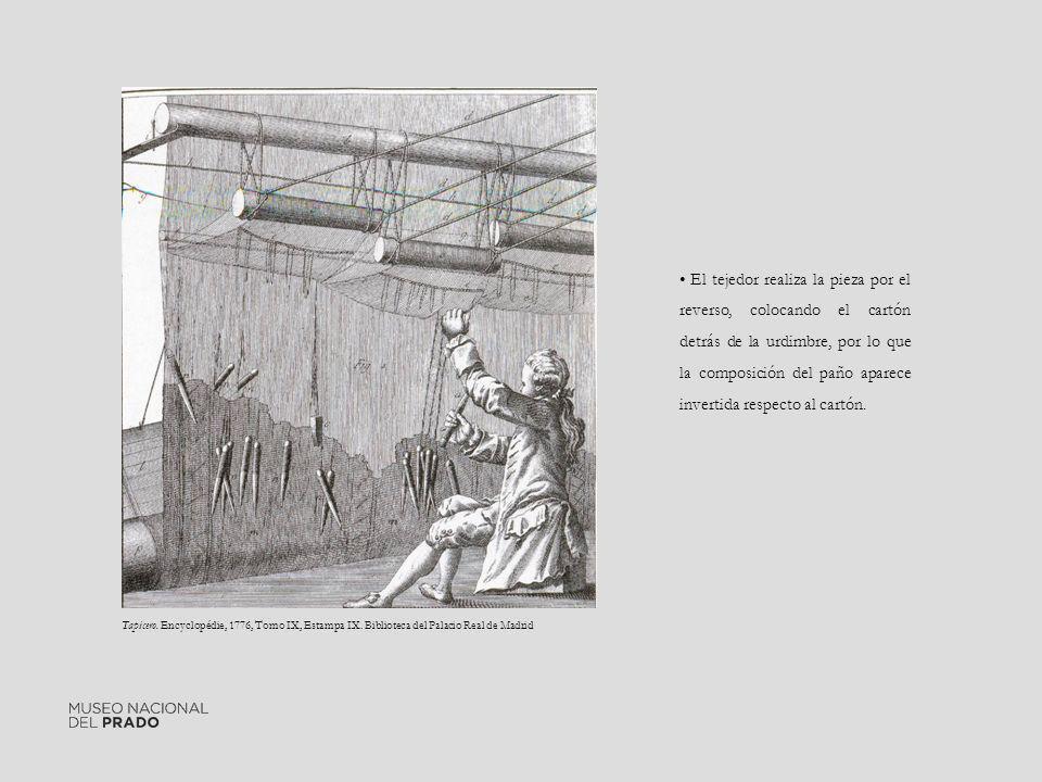 El tejedor realiza la pieza por el reverso, colocando el cartón detrás de la urdimbre, por lo que la composición del paño aparece invertida respecto a