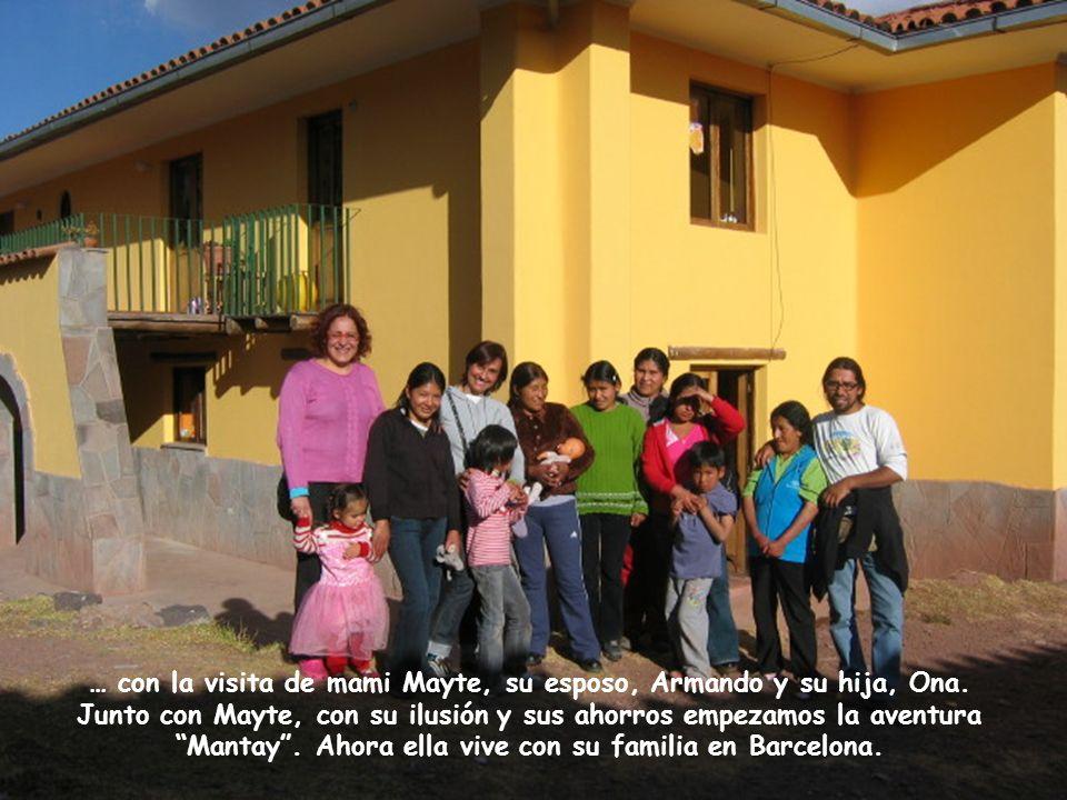 … con la visita de mami Mayte, su esposo, Armando y su hija, Ona.