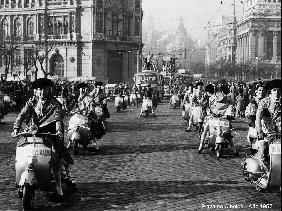 Tranvía sobre el Puente Toledo – Año 1954