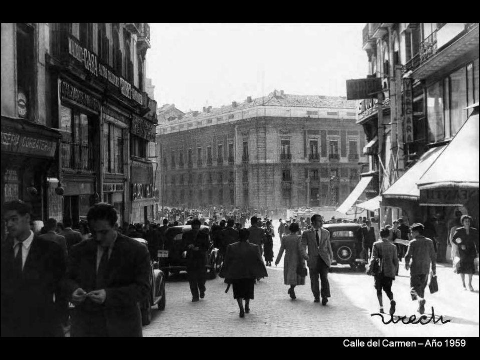 Procesión del Cristo de Medinaceli, plaza de las Cortes – Año 1957