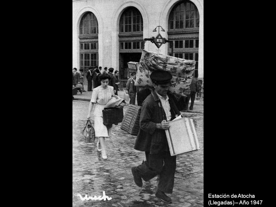 Un buey en la calle Serrano, autobús 51 Sol-Plaza del Perú– Año 1965
