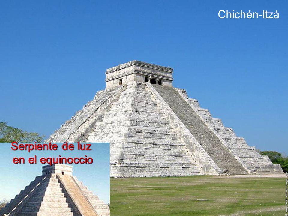 Chichén-Itzá Serpiente de luz en el equinoccio