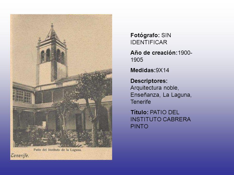 Fotógrafo: SIN IDENTIFICAR Año de creación:1900- 1905 Medidas:9X14 Descriptores: Arquitectura noble, Enseñanza, La Laguna, Tenerife Título: PATIO DEL INSTITUTO CABRERA PINTO