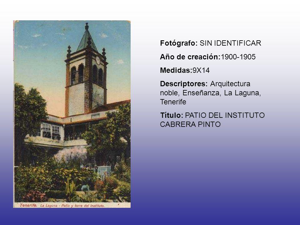 Fotógrafo: SIN IDENTIFICAR Año de creación:1900-1905 Medidas:9X14 Descriptores: Arquitectura noble, Enseñanza, La Laguna, Tenerife Título: PATIO DEL I