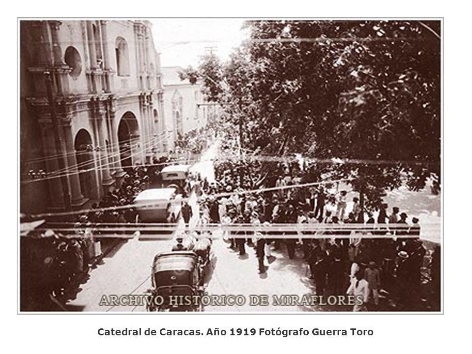 Hotel Majestic frente al Teatro Municipal. Año 1919