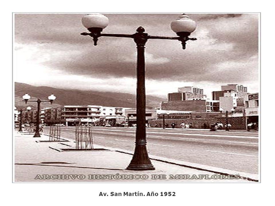Av. San Martín. Año 1952