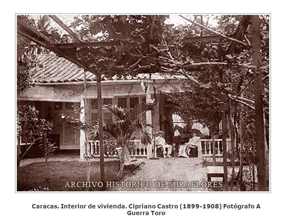 Caracas. Interior de vivienda. Cipriano Castro (1899-1908) Fotógrafo A Guerra Toro