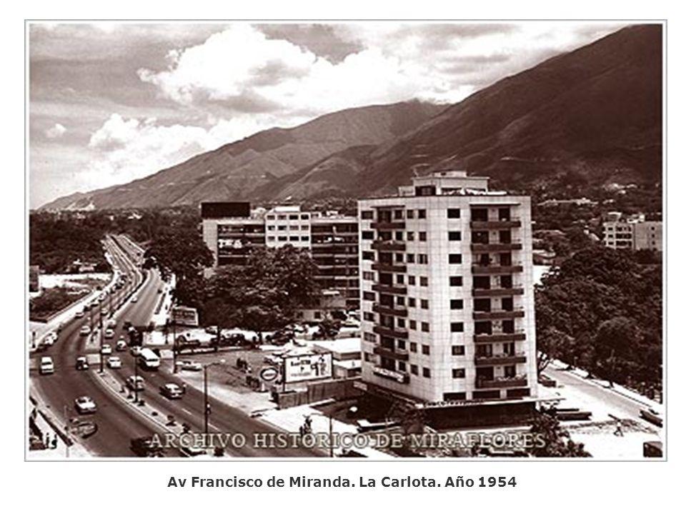 Plaza Andrés Bello, Año 1954