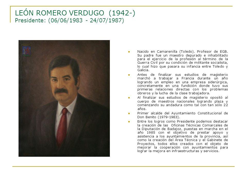 Nacido en Camarenilla (Toledo). Profesor de EGB. Su padre fue un maestro depurado e inhabilitado para el ejercicio de la profesión al término de la Gu