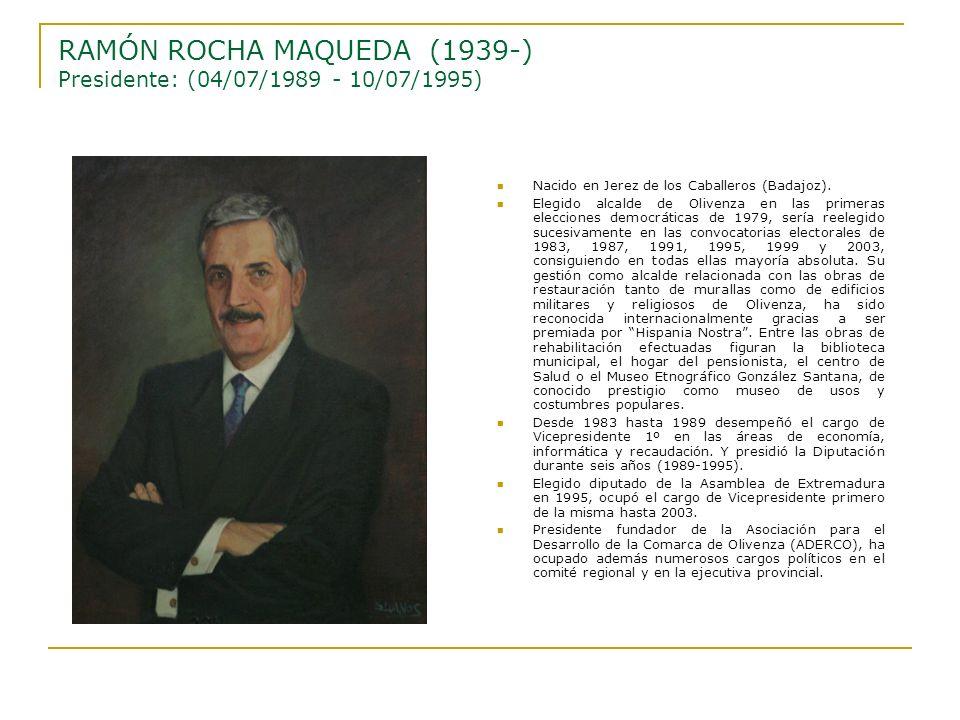 Nacido en Jerez de los Caballeros (Badajoz). Elegido alcalde de Olivenza en las primeras elecciones democráticas de 1979, sería reelegido sucesivament